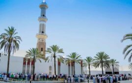 mosques to reopen in oman for friday prayers